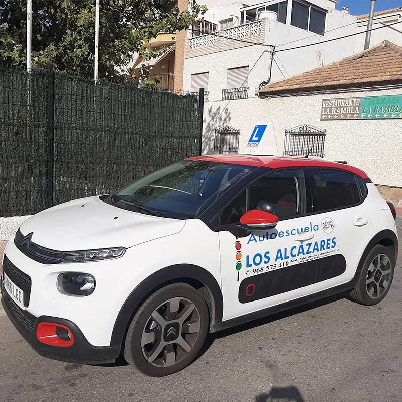 Coche automático en autoescuela en Cartagena